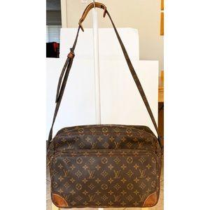 💯Authentic Louis Vuitton Nile Crossbody Bag